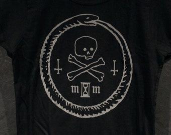 a79930d49d8 Ouroboros with skull