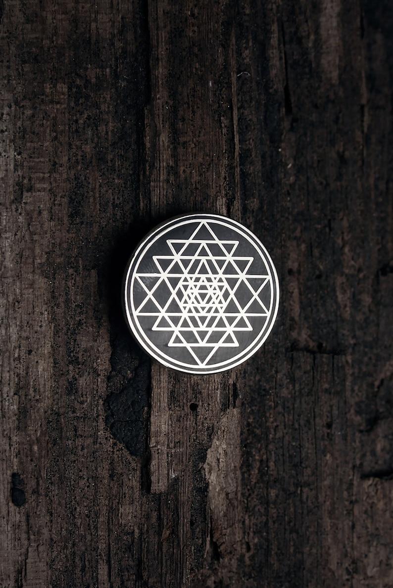 Sri Yantra, Chakra, Mantra, Hindu Tantra - PIN