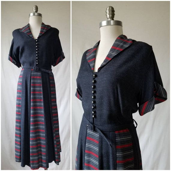 1950s Day Dress / Vintage Volup Dress / Grey + Red