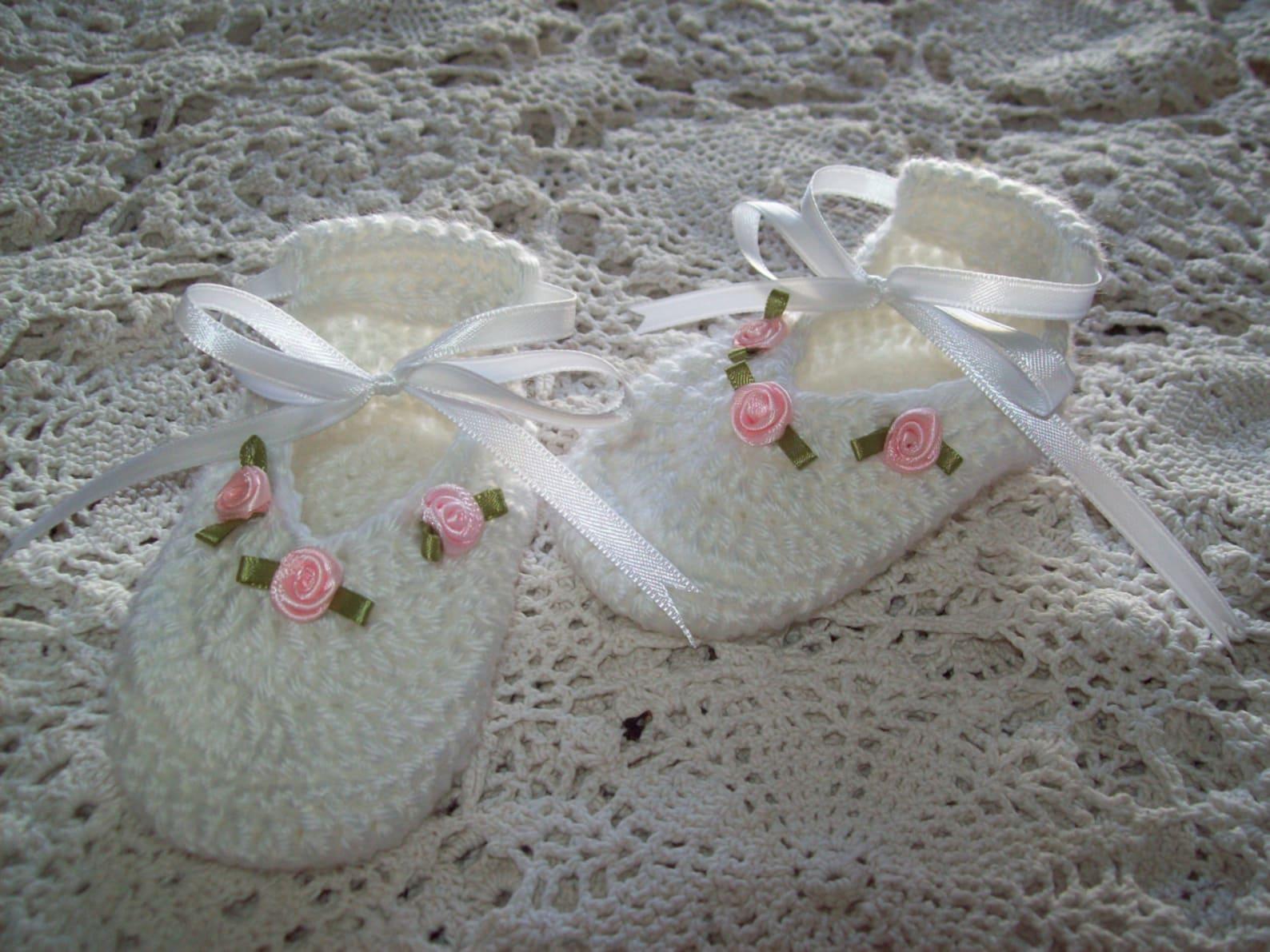 white & pink rose flower ballet slippers satin ribbon hand crochet baby girl booties