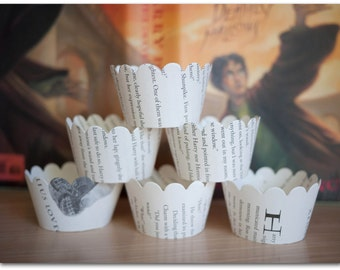 12 Cupcake Wrappers - Harry Potter - Book pages - Wizard party, Gryffindor, Ravenclaw, Hufflepuff, Slytherin - Ready to ship