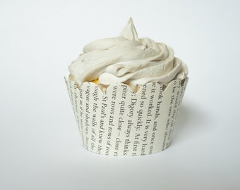 Chronicles of Narnia Cupcake Wrappers - One dozen wrappers - Book pages - Upcycled - Nerd party - Ready to ship