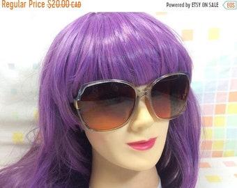 95db8252bee SALE Vintage Orange Tint Over Sized Sunglasses Plastic Blue Grey Frames  Shades Summer 80s Retro Big