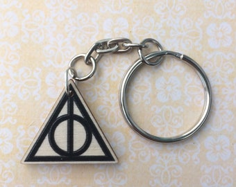 Wooden Harry Potter Deathly Hallows keychain keyring - Hermione Granger Ron Weasley Dumbledore Draco Malfoy Severus Snape - FREE SHIPPING