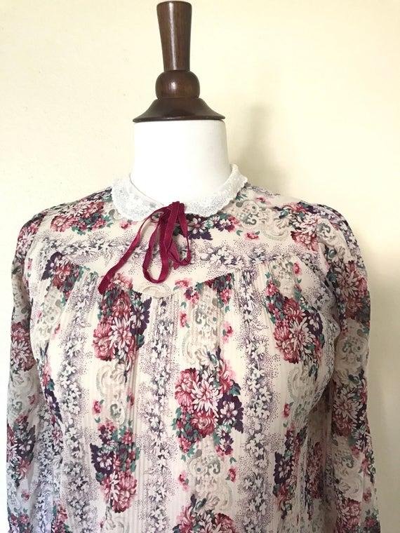 Vintage Lace collar bow tie blouse 1970s sz S