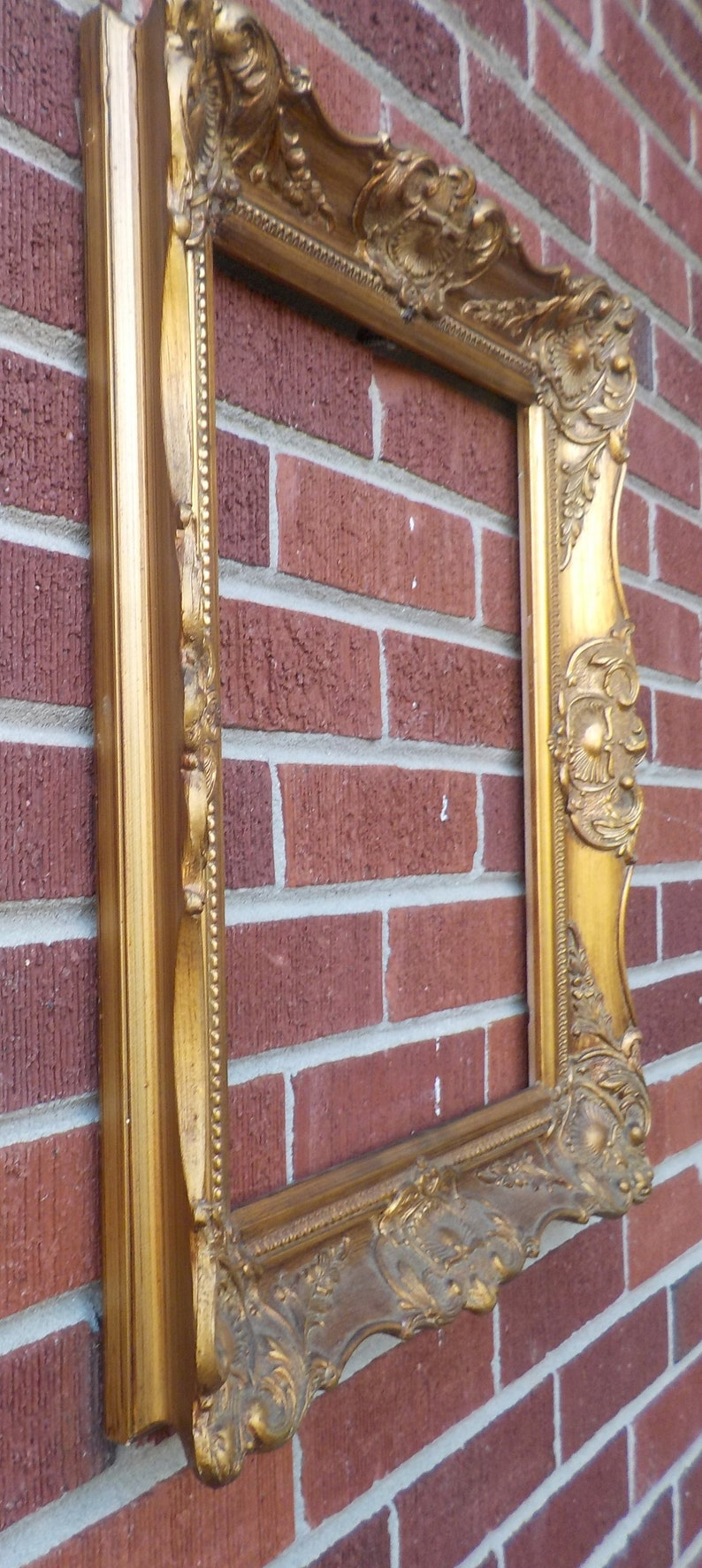 Vintage Retro FRENCH STYLE Louis GOLD Fancy Wood /& Compo Picture Frame 13 x 16 in fit c1970s