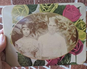 Vintage Art DECO Young LOVERS Pretty Flapper Girl & Sulky Boyfriend CELLULOID Photo Button c1920s