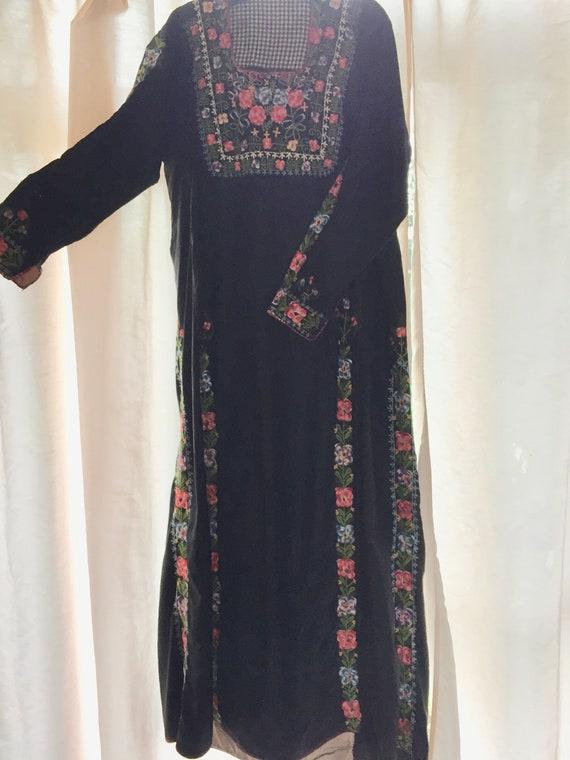 Yemenite hand embroidered dress