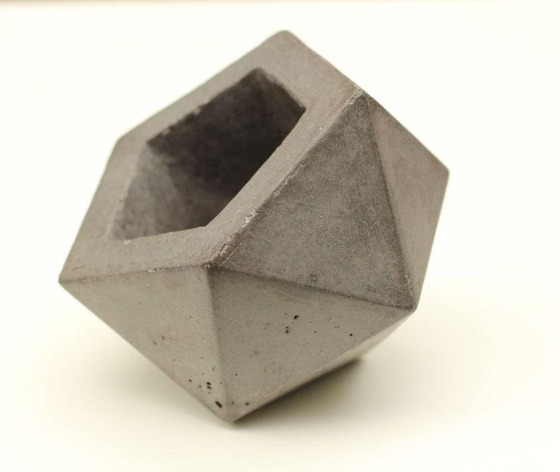 Geodesic Concrete Planter: Geodesic Concrete Planter