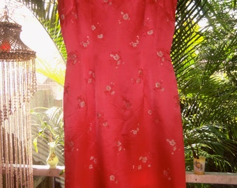 60s SILK SATIN WIGGLE Dress--Coral Silk Printed with Roses--Size 6