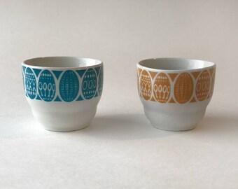 Arabia FINLAND     Egg Cups     PAIR     Raija Uosikkinen     1960s