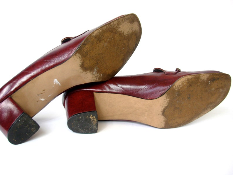d9cc4c433ad86 Vintage 70's burgundy leather loafer pumps, women's size 9