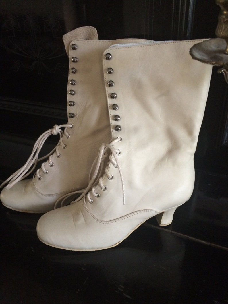 Ordine personalizzato per Patricia, stivali vittoriani, stivaletti, stivali Edwardian, stivaletti sposa, off bianco vittoriano stivali, stivali