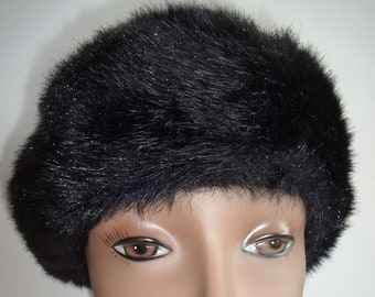 5878521eff85 Vintage Womens Faux Fur Hat Pillbox Black Lined Round Winter 22