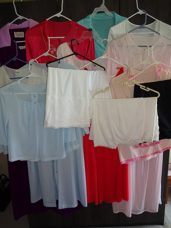 19 Piece Vintage 60s 70s 80s Lot Slips Nightgowns
