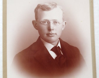 Cabinet Card Photo Dapper Gentleman with Spectacles Antique Photograph Props