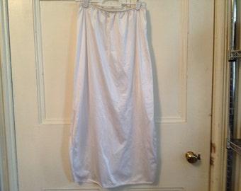 """Vanity Fair Slip Vintage Lingerie Size Small 32"""" Side Slits White Nylon Half Slip"""