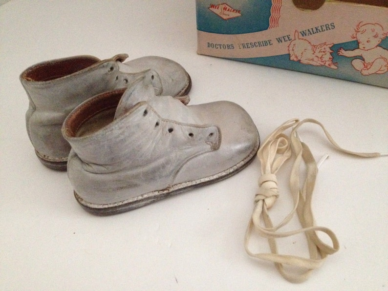 Vintage Baby Shoes Wee Walkers with Original Box Moran Shoe Company Carlyle  Illinois Made in USA