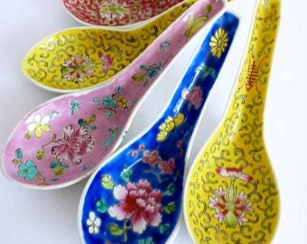 Vintage Porcelain Spoons Asian Soup Spoons Five Asia China Spoons 1970s Colourful Vintage Serving Spoons Food Photo Prop