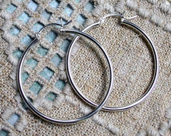 2pcs Sterling Silver-Filled Earrings 30mm Round Hoop With Latch-Back Closure