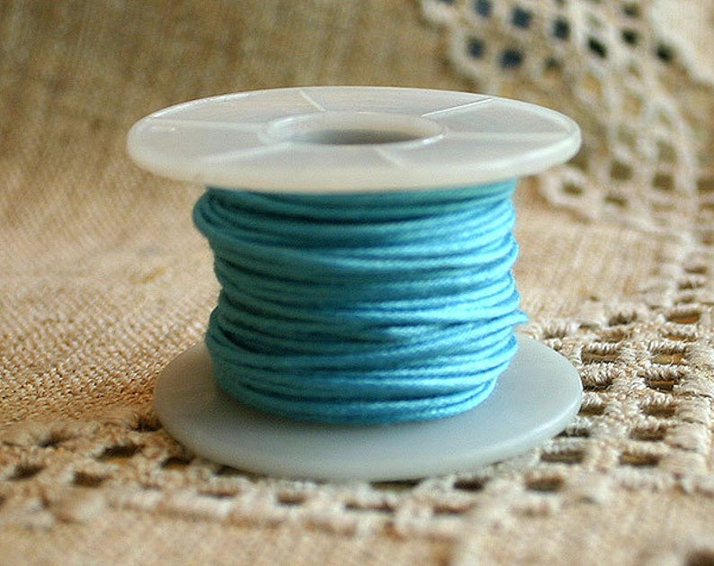 Light blue Fabric Covered Jewelry Wire Steel 1mm wide 18 gauge 10-yard spool