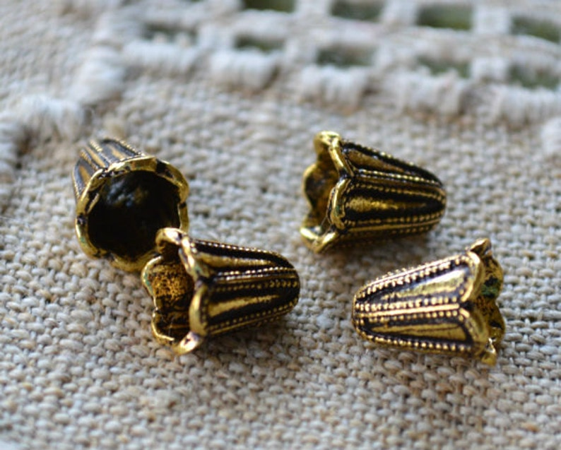 4 Cones 11x9mm Beaded Flower Antiqued Gold-Plated Brass For Multiple Strands Caps