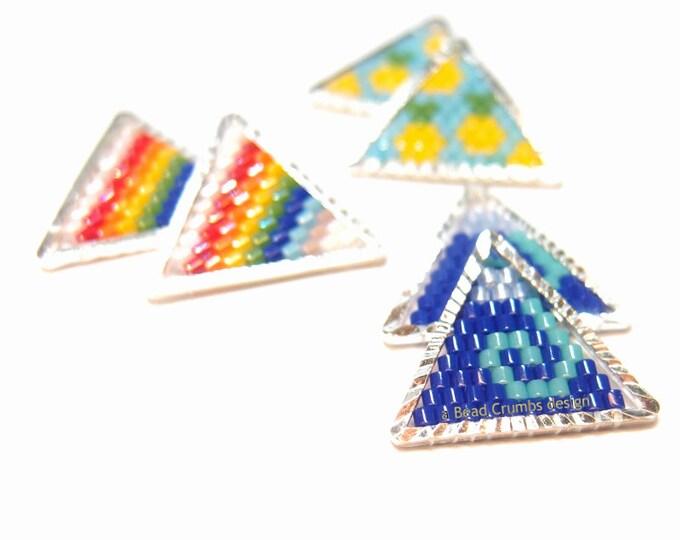 Wave - Rainbow - Pineapple Triangle Seed Bead Pendant / Charm (1 Piece)