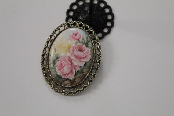 BLUSH roses brooch | Victorian inspired oval brooc