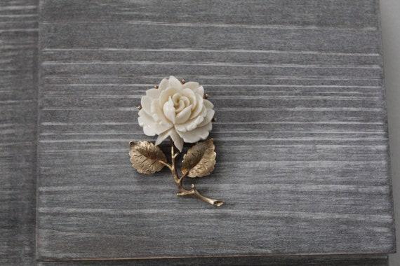 CREAM rose brooch | budding rose brooch | 1970s r… - image 3