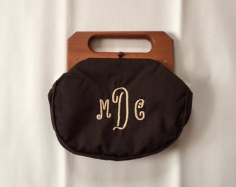 COFFEE BROWN wool handbag   1950s wooden handles monogram letters bag