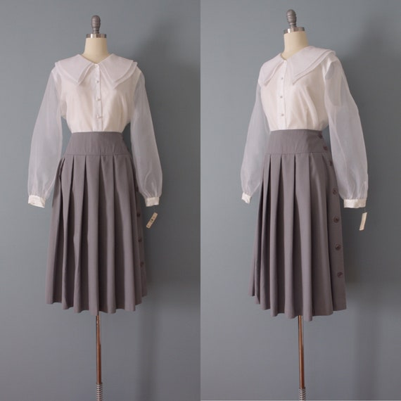 DOVE gray pleated skirt