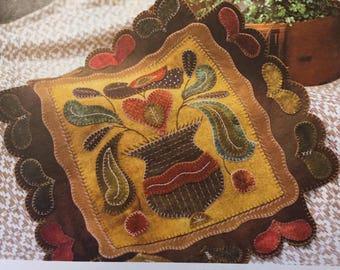 Primitive Folk Art Wool Applique Pattern - GARDEN HEARTS - Design by Rebekah L. Smith