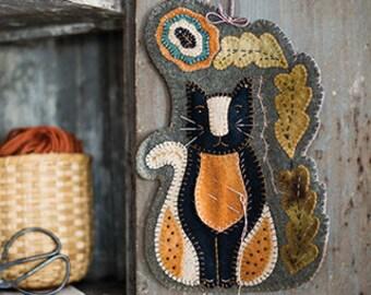 New! Primitive Folk Art Wool Applique Pattern:  KITTY SEWING CADDY-  Design by Rebekah L. Smith