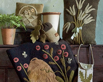 """New!  WOOL APPLIQUE Project BOOK: """"Pure & Simple"""" - By Maggie Bonanomi- 17 Primitive Projects Inspired By The Seasons"""