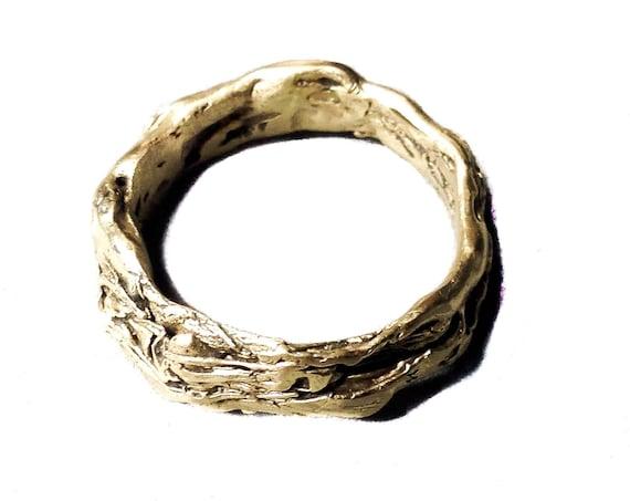 Nest Ring in 14k gold