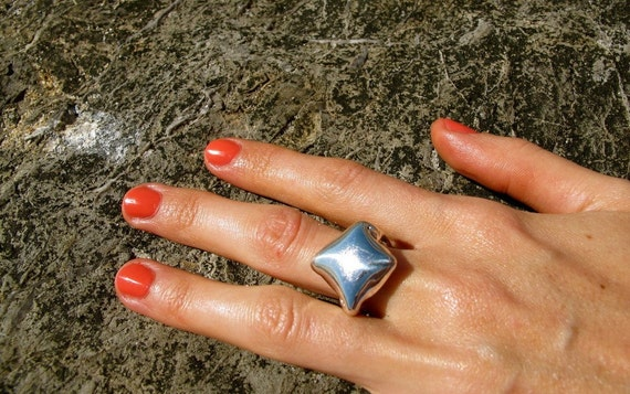 The Kapoor Ring inspired by Cloud Gate