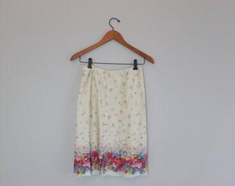 Vintage 80s Floral Short Skirt built in shorts By Quantum