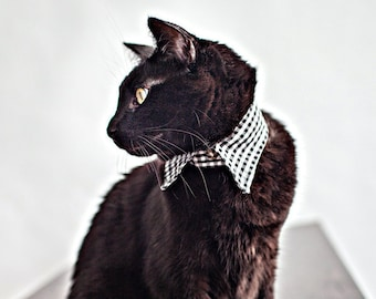 Gingham Pointed Cat Collar