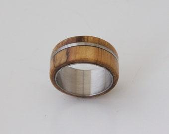 olive & titanium // Mens Wood Ring WIth Titanium Ring Mens Wedding Band Silver Ring olive wood ring