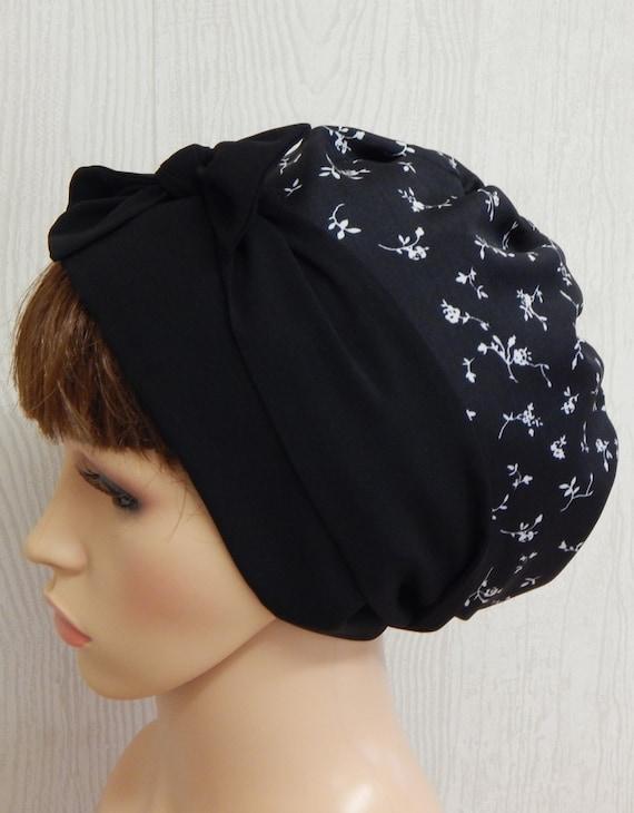 noir et blanc floral foulard sur la t te couvre chef des etsy. Black Bedroom Furniture Sets. Home Design Ideas