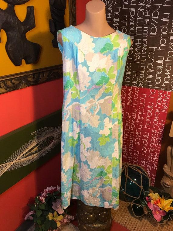 Vintage Woman's 1960s Hawaiian Dress TORI RICHARD