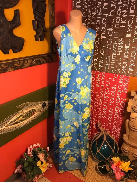 Vintage Womens Hawaiian 1970s Dress Maxi Gown Tro… - image 1