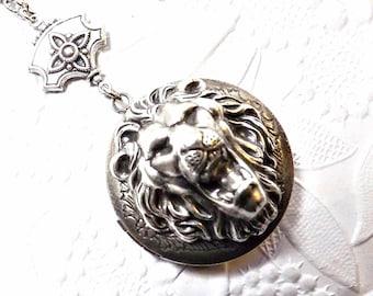 Lion Locket, Majestic Roaring Lion Locket, Lion King Locket, Lion, Silver Lion, Silver Locket
