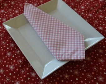 Red and Pink Flower Tablecloth and 4 Pink Gingham Napkins