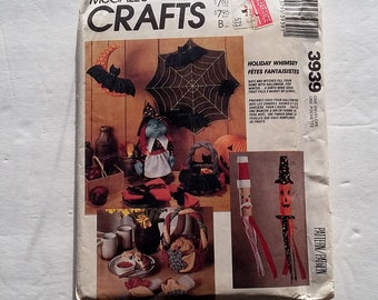 Vintage Craft Sewing Pattern McCall's Crafts 3939 Holiday Whimsey Halloween Bats Spider Web Witch Thanksgiving Christmas Fall