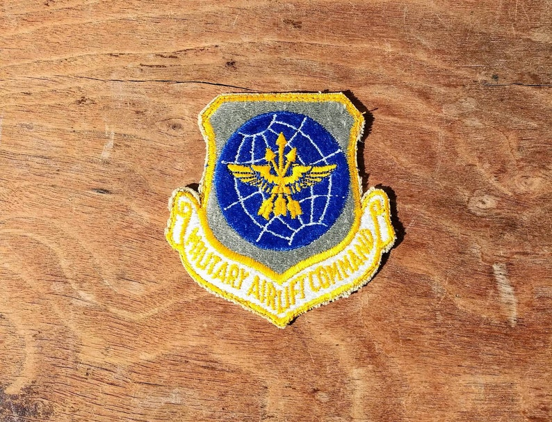 21928247aaa22 Vintage Patch Military Airlift Command MAC US Air Force 60's Sew On Patch  Military Emblem Wings Arrows