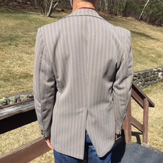 70s Men/'s Polyester Blazer Wide Collar Size 40 Short 1970s Style Disco Era Fashion Gladding/'s Worcester Tan Navy Diamond Pattern Suit Coat