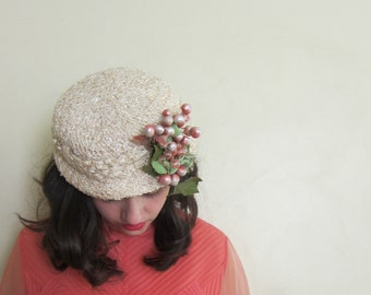 Vintage 1950s 50 Raffia Weave Hat with Fruit by Veeda Louisa / 1960s 60s Ivory Straw Hat