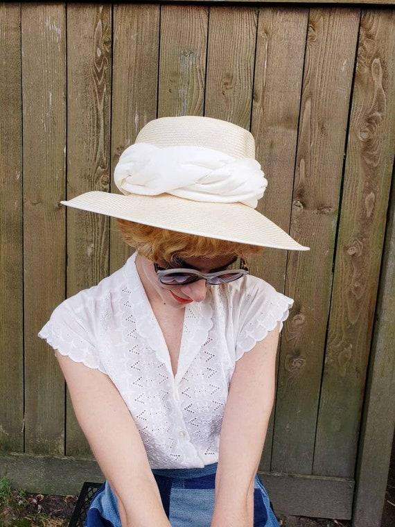 Vintage Beige White Straw Sun Hat Peter Bettley /