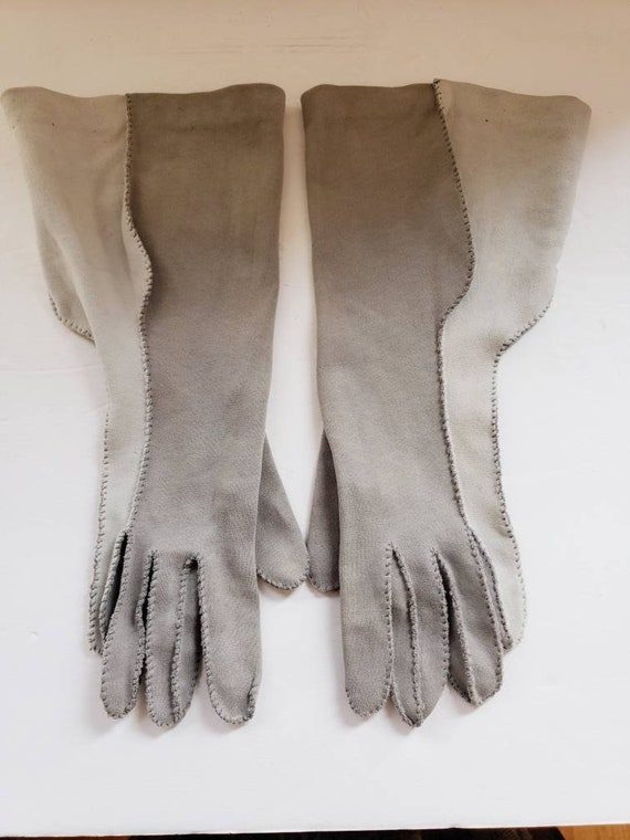 1940s Two Toned Gray Gloves Gauntlet Style / 40s … - image 4